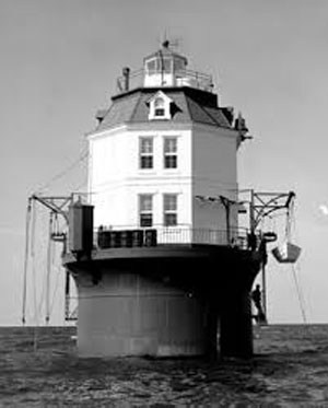 Point No Point Light Black and White